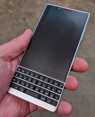 Review: BlackBerry KEY2 (Phone Scoop)