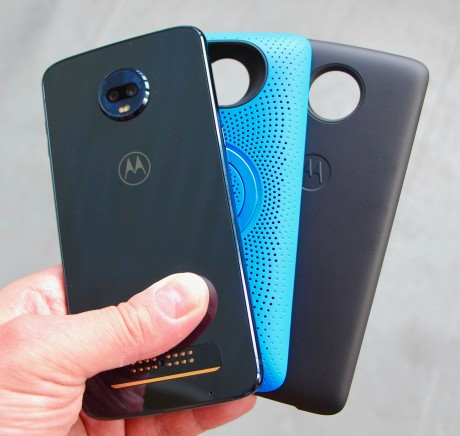 cheap for discount a078e 1a0aa Review: Motorola Moto Z3 Play (Phone Scoop)