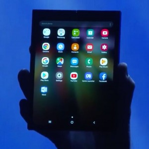 14f99b8e984 Samsung Shows Off Its Flexible Display Concept