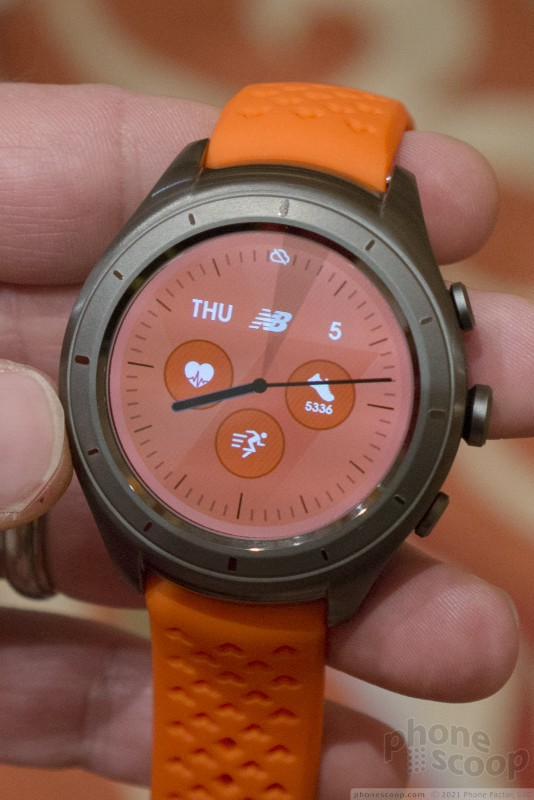 Hands on with the New Balance RunIQ Running Watch (Phone Scoop)
