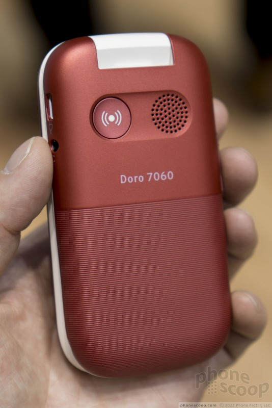 Hands On with the Doro 7050 (Phone Scoop)