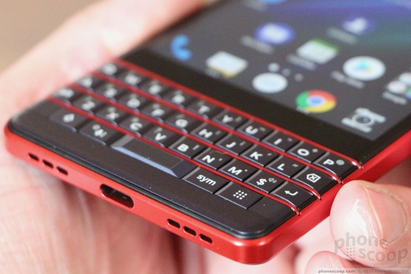 Hands On with the BlackBerry KEY2 LE (Phone Scoop)