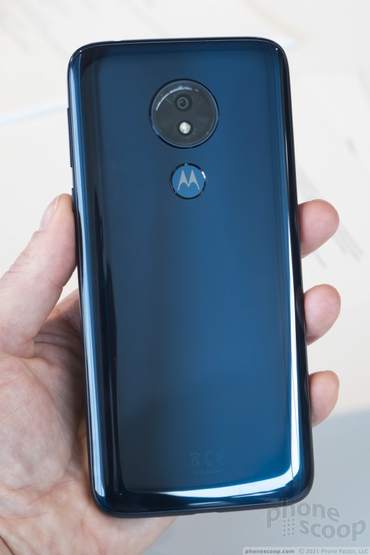Hands On with the Moto g7 Series (Phone Scoop)
