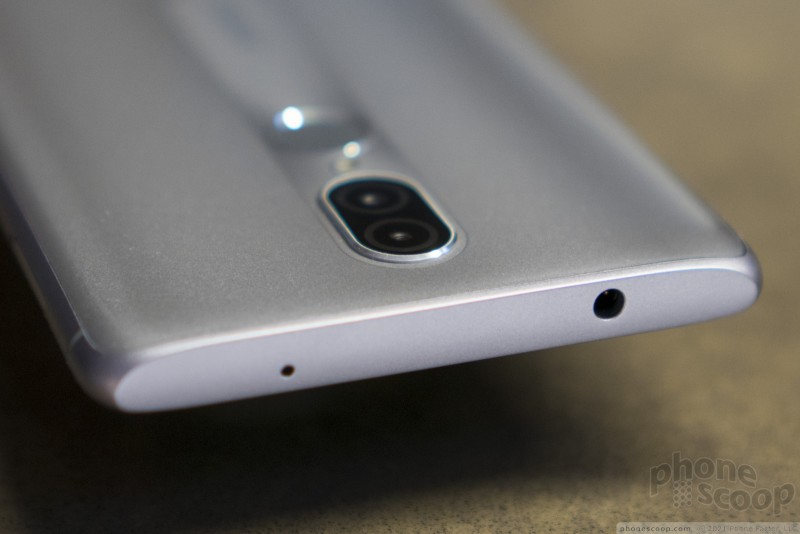 Hands On with the Coolpad Legacy (Phone Scoop)